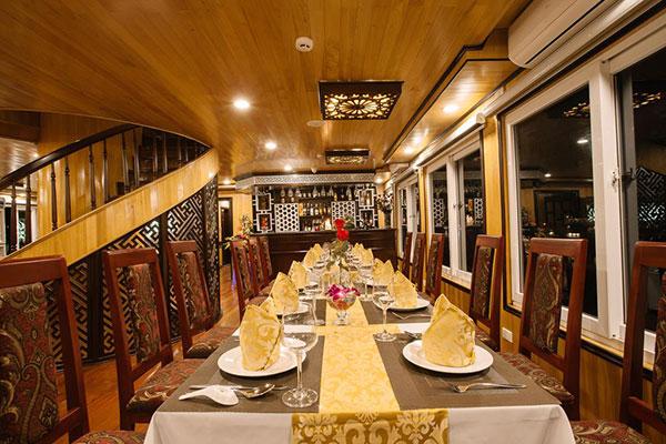 Cristina Diamond Cruise 3 Ngày 2 đêm Nhà Hàng Sang Trọng