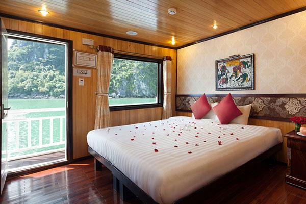 Tour Du Thuyền Hạ Long Golden Lotus Cruise 3 Ngày 2 đêm