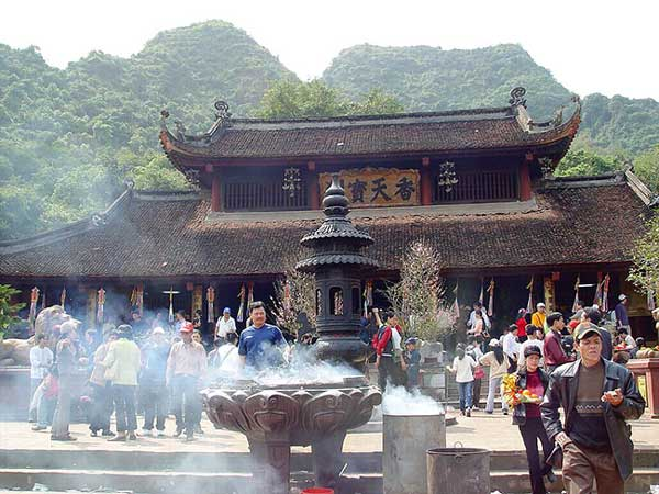 Tour Chùa Hương 1 Ngày Trọn Gói Giá Rẻ Chuyên Nghiệp Nhất