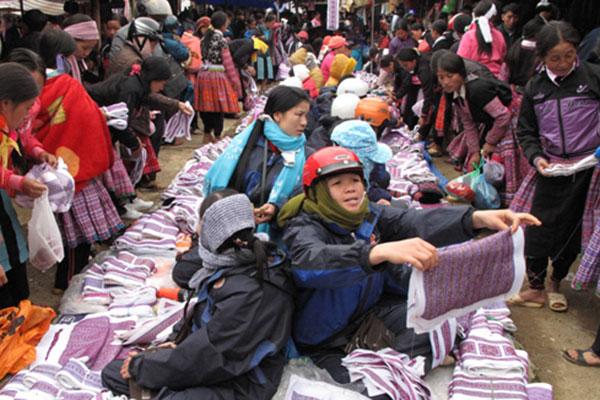 Tour Mộc Châu – Mai Châu – Chợ Pà Cò 2 Ngày 1 đêm
