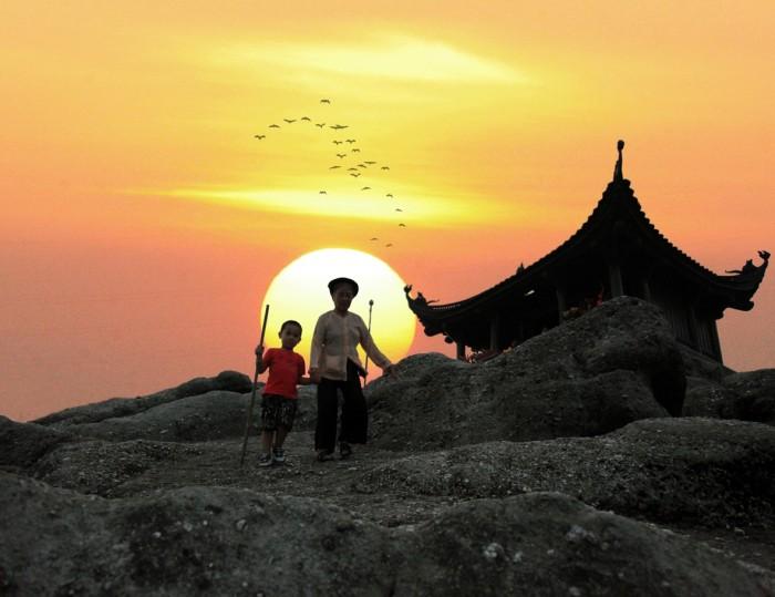 Tour Yên Tử 1 Ngày – Trọn Gói Tour Du Lịch Chuyên Nghiệp Giá Rẻ
